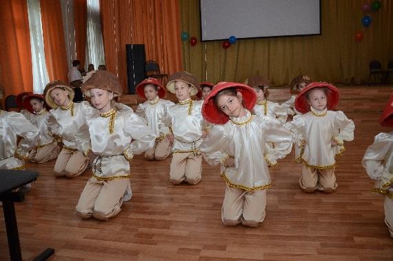 organizator-koncerta--rukovoditel-horeograficheskogo-kollektiva-luchinushka-romanova-marina-aleksandrovna-003.jpg